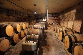 1buronfosse_jura_rotalier_cellar_view