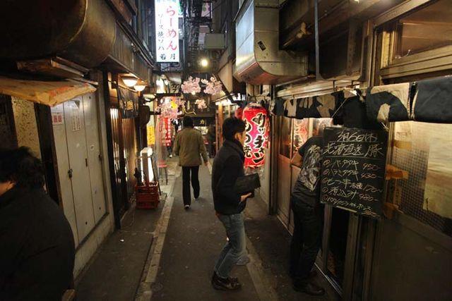 1shinjuku_piss_alley_may_be_stand_asadachi