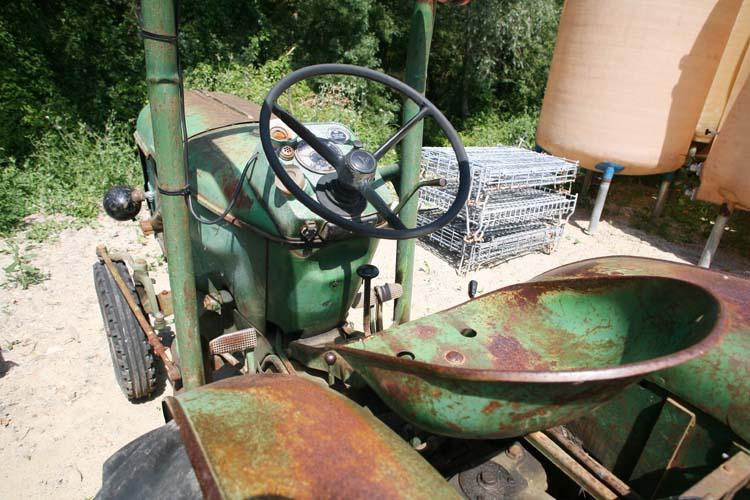 1sebastien_bobinet_old_tractor