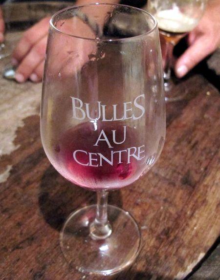 1pet-nat_wine_verre_bulles-au-centre
