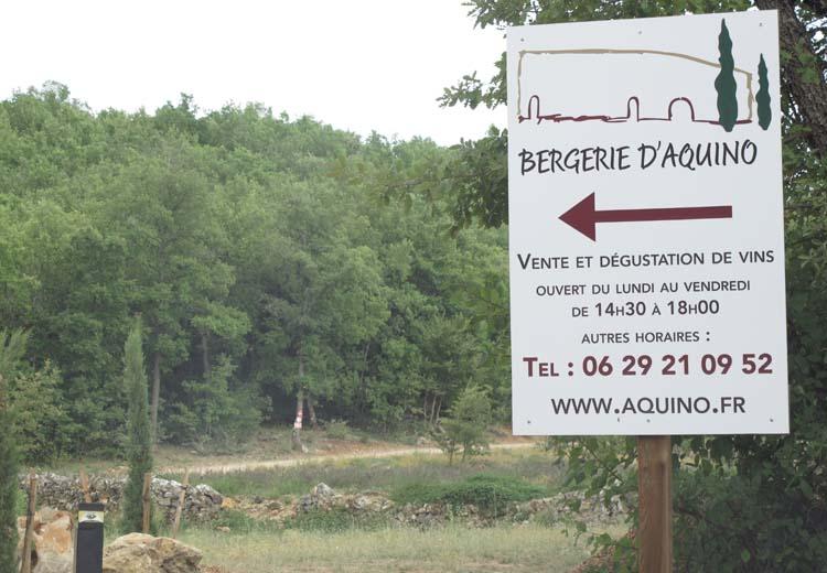 1bergerie_daquino_road_sign