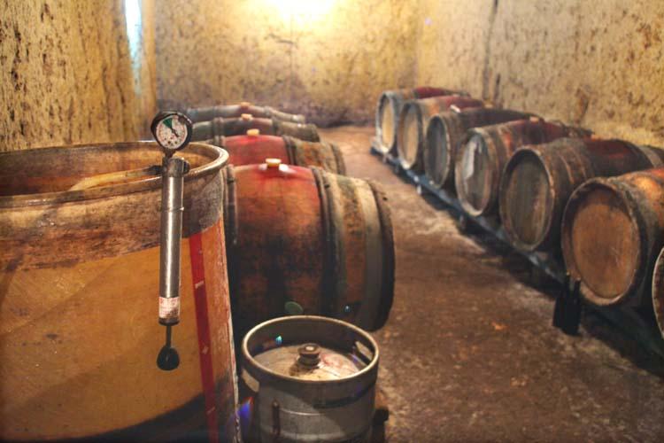 1bruno_allion_cellar2_casks