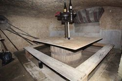 1bruno_allion_cellar3_press_table