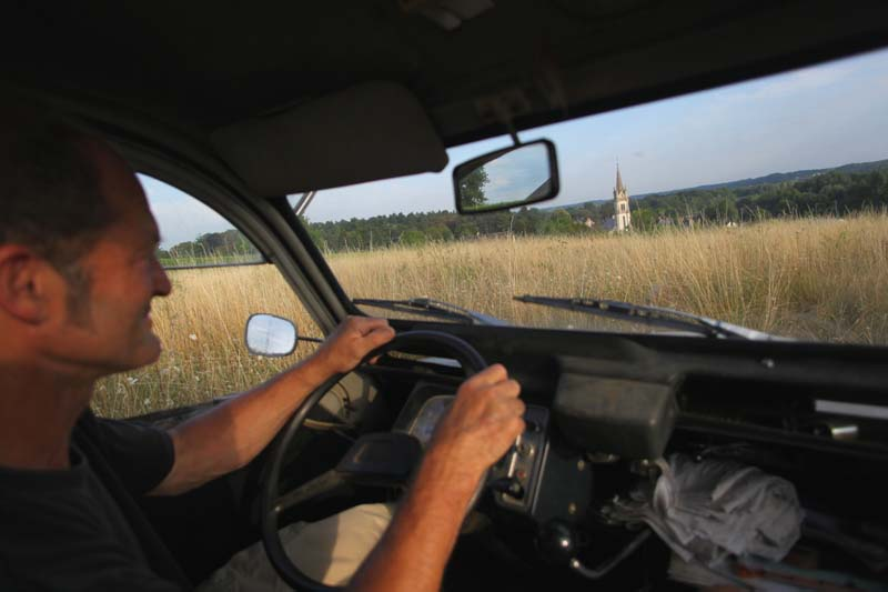 1bruno_allion_driving 2CV