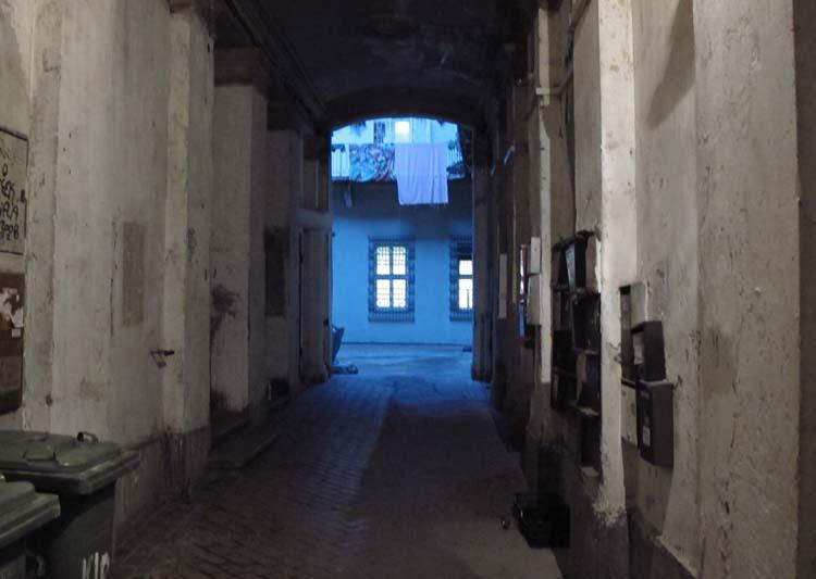 1budapest_courtyard