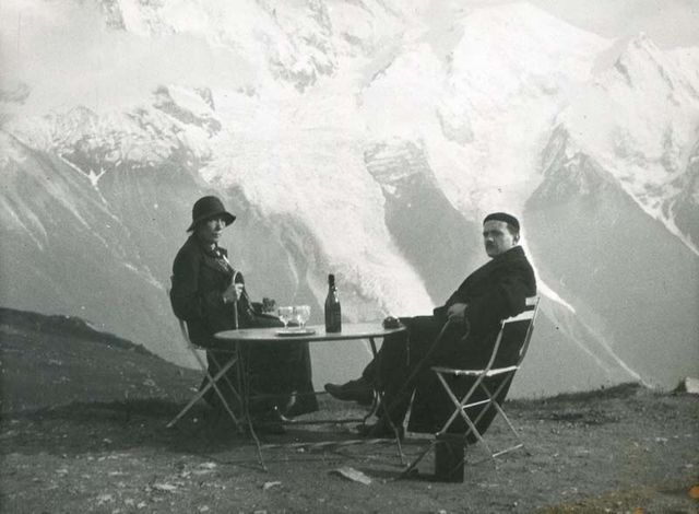 1wine_scenes_having_wine_in_the_alps