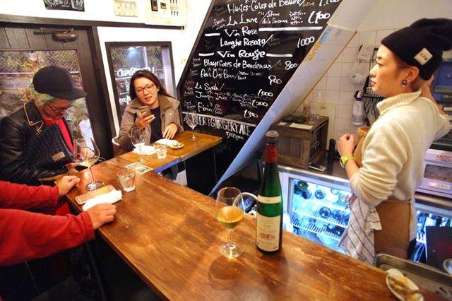 1shibuya_nonbei_yokocho_winestand_bouteille
