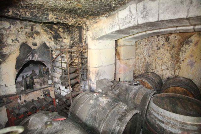 1jjoel_courtault_rock-embedded_oven_bakery