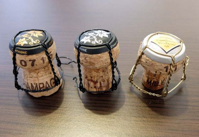 1franck_pascal_champagne_corks