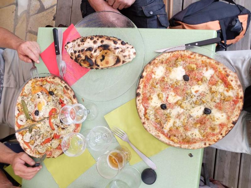 1auberge_du_layon_different_pizzas