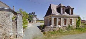 1chateau_de_la_genaiserie_outbuildings
