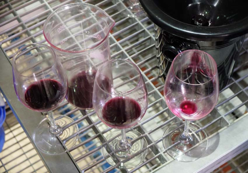 1armenia_wine_factory_reds_tasted_from_vats