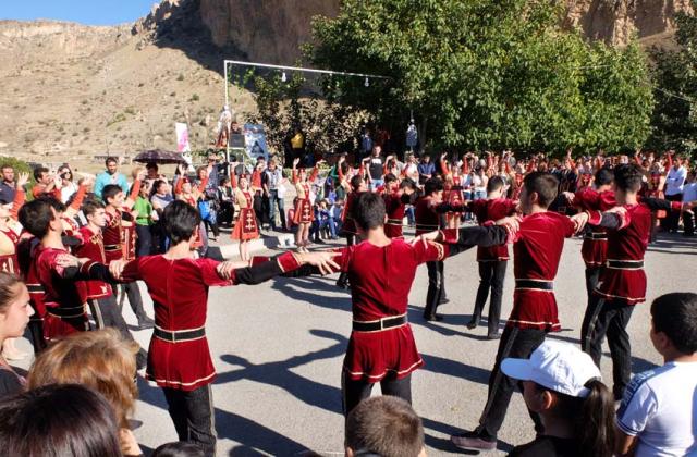 1areni_festival_folkloric_dance
