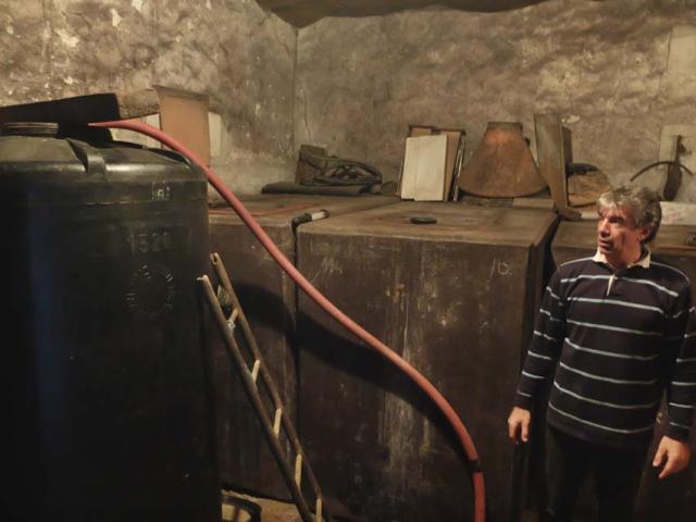 1andre_fouassier_black_fermenter