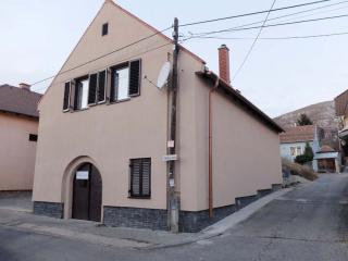 1jozsef_szentesi_pince_cellar_house