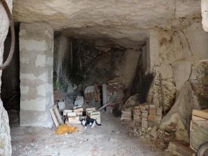 1sylvain_leest_small_cellar_room