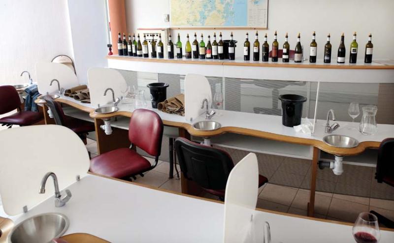 1boutanac_tasting_room