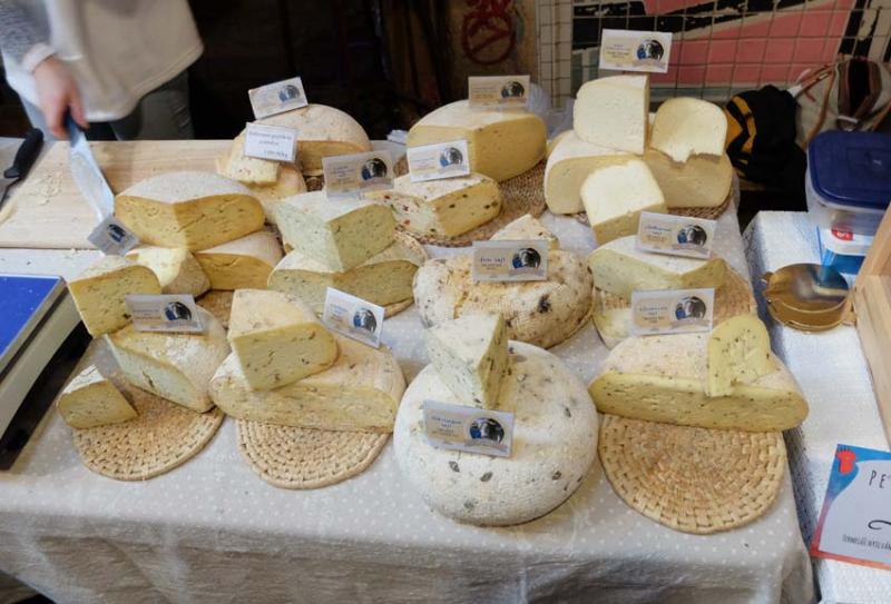1szimpla_kert_farmers_market_cheese