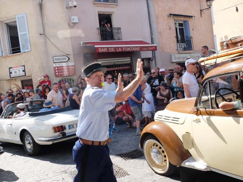 1tourves_N7_gendarme_whistle