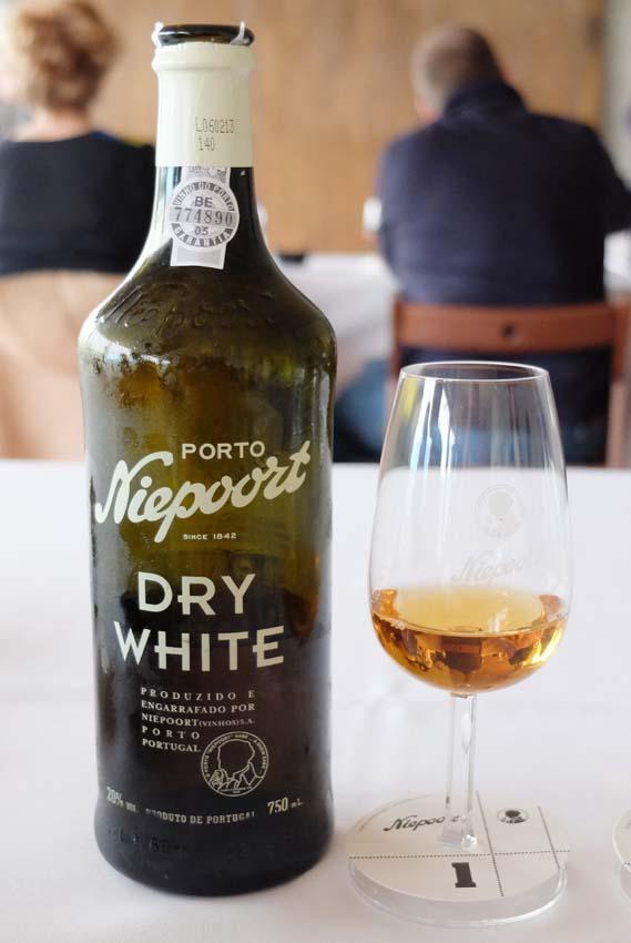 1douro_niepoort_port_dry_white