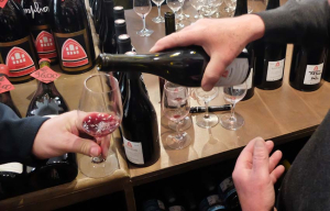 1pierre_fenals_pouring_red