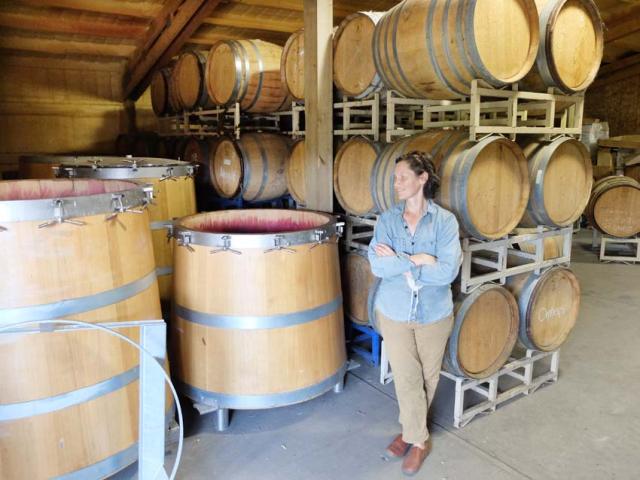 1hiyu_wine_china_barrel_room