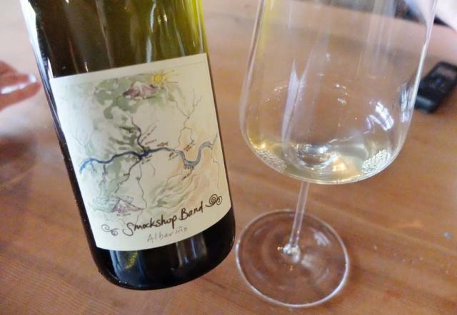 1hiyu_wine_bottle2_spring_ephemeral_w