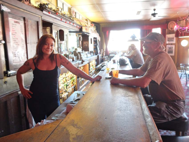 1absentee_old_western_saloon_amber