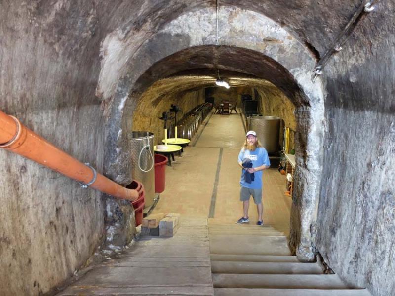 1major_levente_cellar_stairs