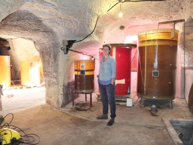 1lisanne_in_cellar