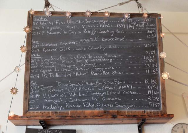 1ordinaire_bottles_blackboard
