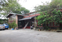 1ea_farm_building_restaurant