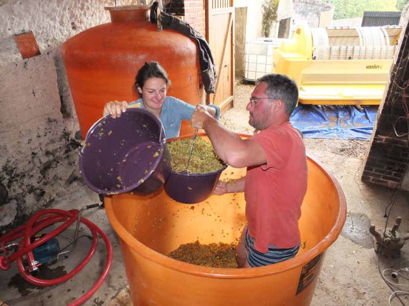 1lisanne_ben_emptying_fermenter