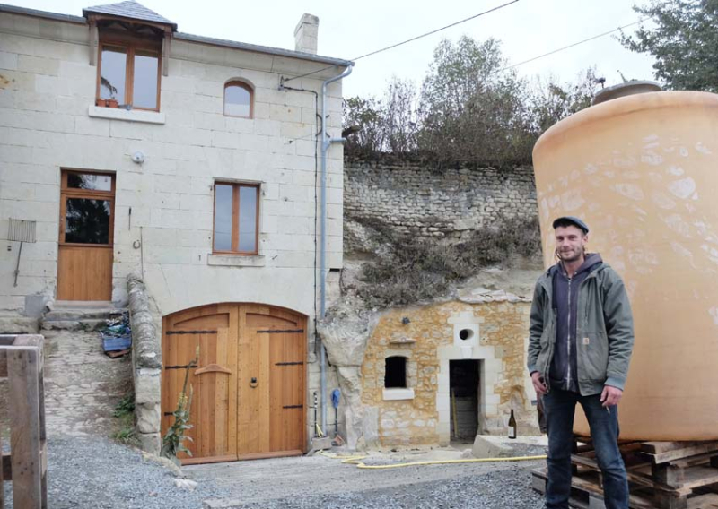 1francois_saint-lo_outside_cellar