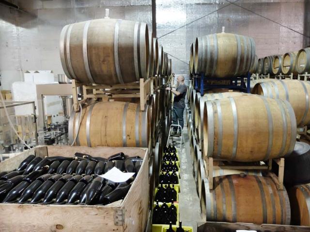 1hiyu_wine_barrel_room_sample