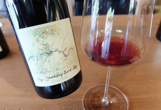 1hiyu_wine_bottle3_spring_ephemeral_red
