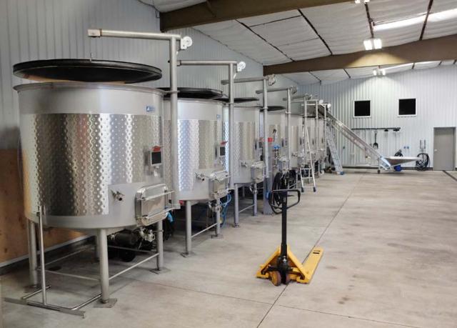 1ceritas_facility_fermenters_line