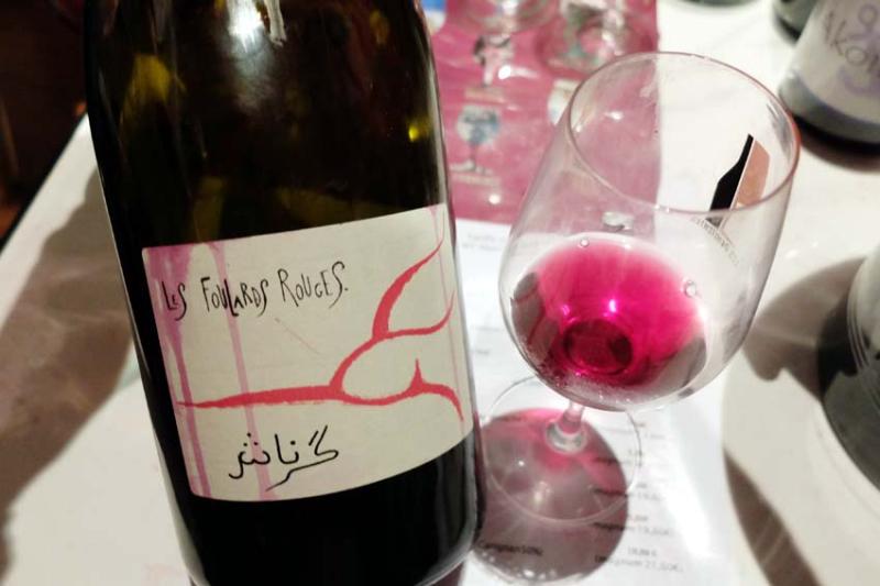 1penitentes_foulards_rouges_grenache_arabic