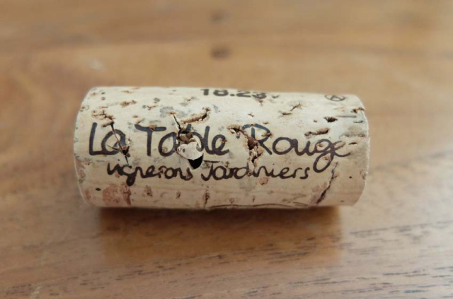 1table_rouge_cork