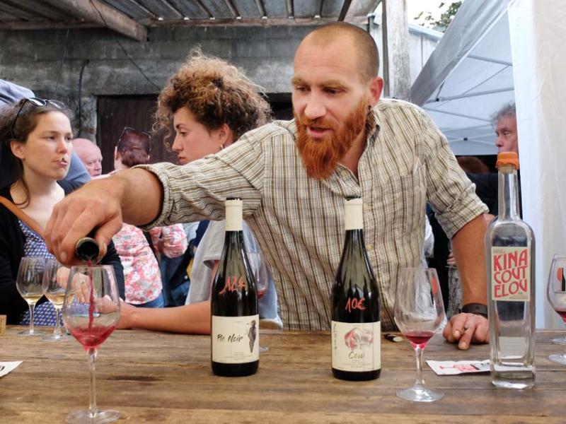 1jeremy_choquet_pours_wine