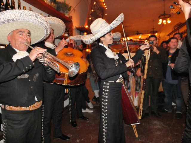 1ordinaire_party_mariachis