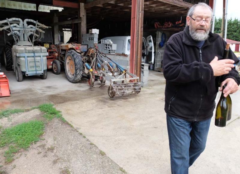 1courtois_claude_tracteur_vigneron