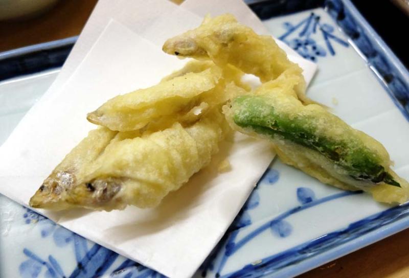 1izakaya_kyoto_fried_biwa_fish