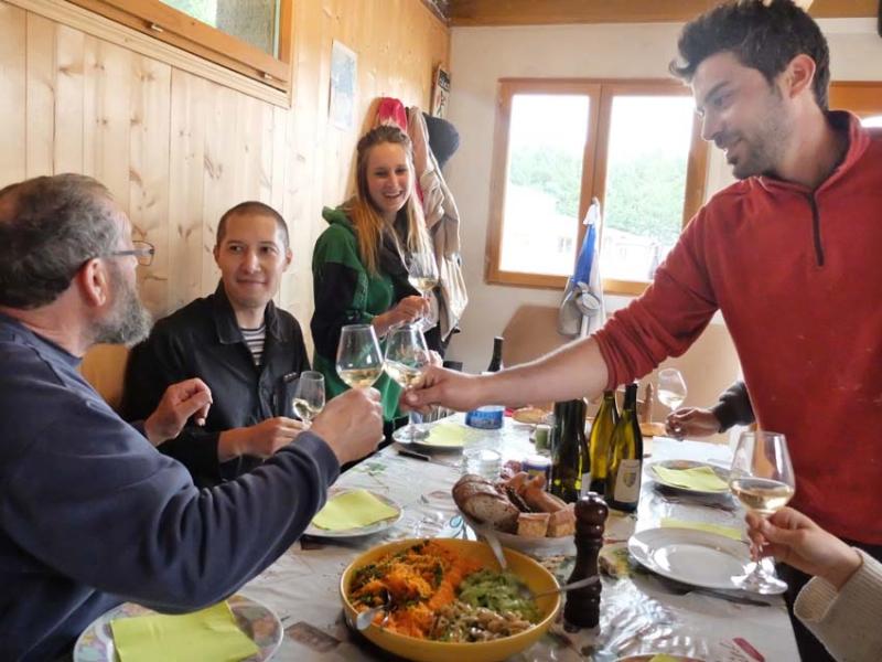 1courtois_claude_family_toasting