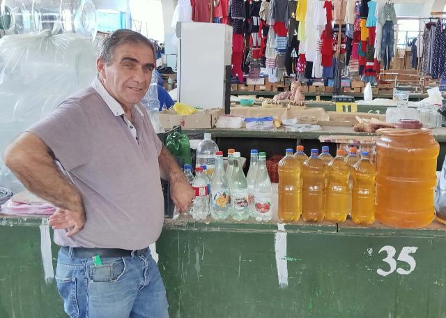 1kutaisi_market_chacha_wine