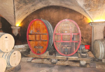 1vignes_maynes_cellar_red_foudres