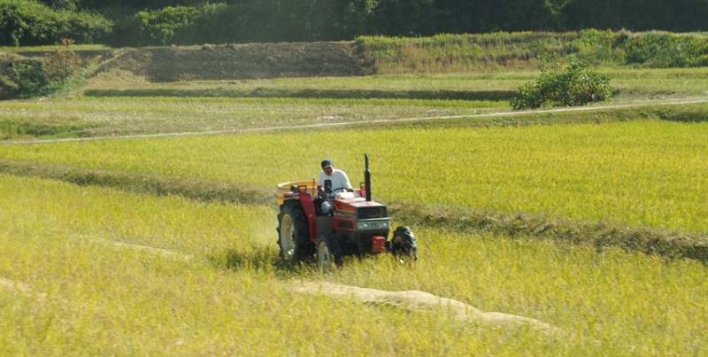 1matsuse_farmer_tractor
