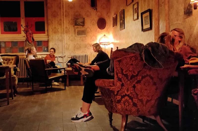 1stayhome_budapest_cool_cafe