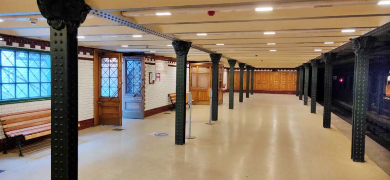 1stayhome_budapest_metro1