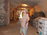 1thomas_puechavy_cellar_looking_ceiling